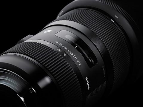 Sigma-18-35mm-f1.8-DC-HSM-zoom-lens