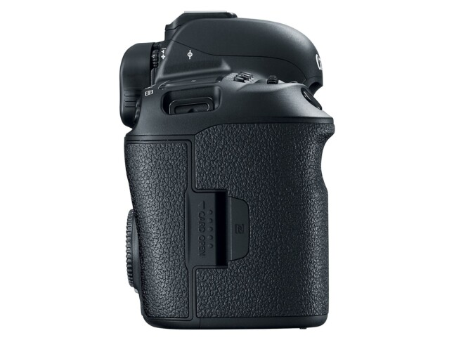 EOS 5D Mark IV - Card Slot
